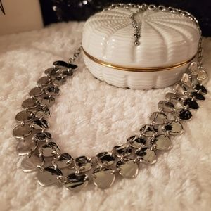 Beautiful Silver tone necklace Vintage